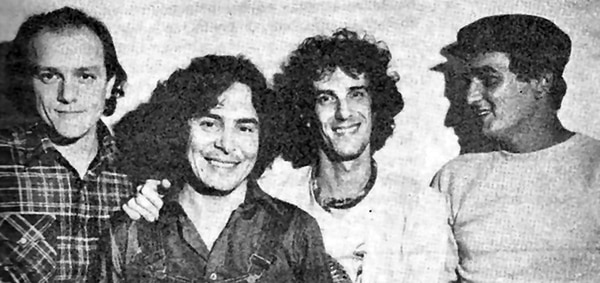 Los integrantes de Almendra, de izquierda a derecha: Emilio del Guercio, Rodolfo García, Luis Alberto Spinetta y Edelmiro Molinari