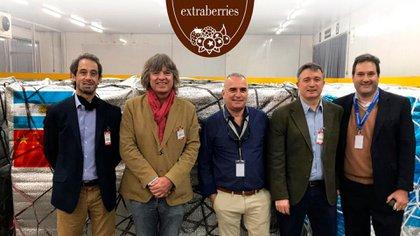 Autoridades de Extraberries y de Aerolíneas Argentinas Cargo