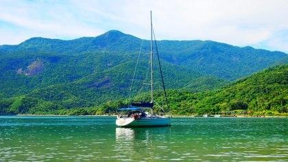 Viajaron por primera vez a Brasil y luego emprendieron una travesía desde Atenas a Río de Janeiro atravesando 35 puertos que terminó de sembrar su amor por el agua