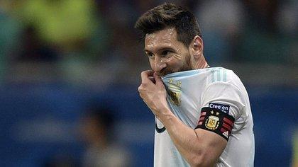 Messi fue de lo más peligroso en el ataque argentino ante Colombia (AFP)