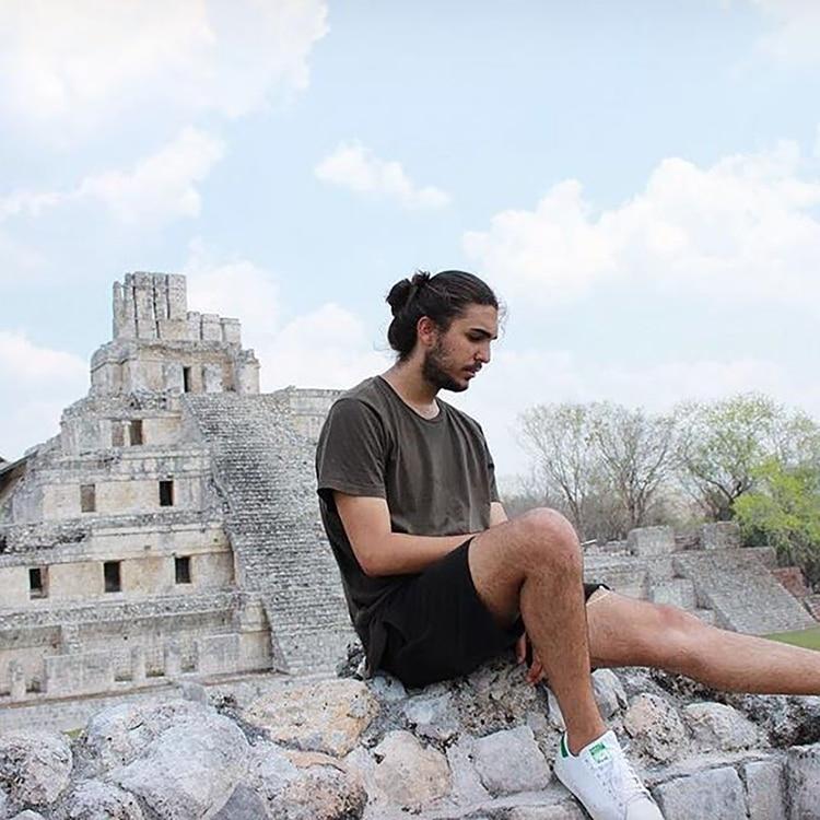 El nieto de Fidel Castro disfruta de las riquezas de su familia y las presume en sus redes sociales
