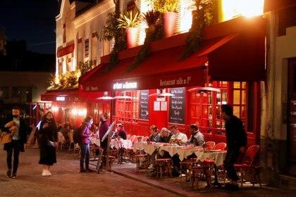 Restaurant en Montmarte, París. REUTERS/Charles Platiau