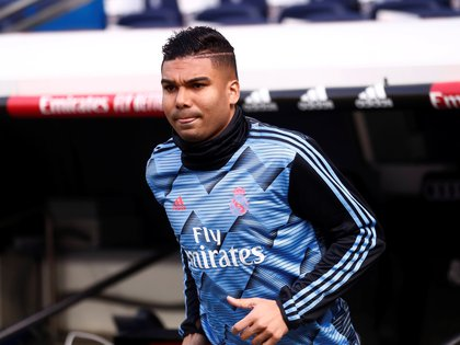 Soccer Football - La Liga Santander - Real Madrid v Atletico Madrid- Santiago Bernabeu, Madrid, Spain - February 1, 2020  Real Madrid's Casemiro during the warm up before the match    REUTERS/Juan Medina