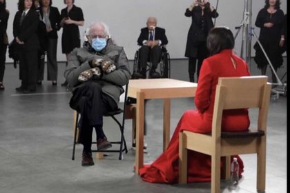 Bernie Sanders frente Marina Abramović.