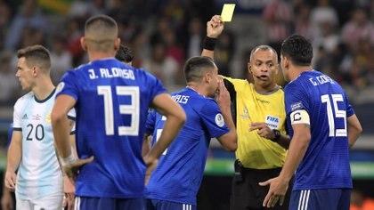 Sampaio fue el árbitro de Argentina-Paraguay, en la fase de grupos de la Copa América de Brasil (Foto: REUTERS/Washington Alves)