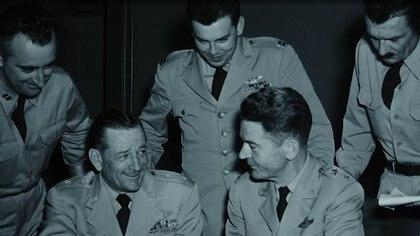 El general Roger ramey sonríe durante un encuentro con la prensa (Archivo)