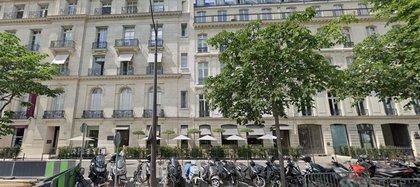 El refugio de Ghislaine Maxwell en la exclusiva avenue Matignon de París (Google Maps)