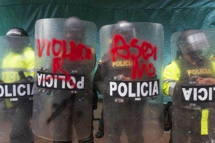 24/09/2020 Manifestación contra la violencia policial en Colombia. La labor del Escuadrón Móvil Antidisturbios (ESMAD), a la que se ha denunciado por supuestas agresiones sexuales en sus centros durante las protestas, fue duramente criticada por el Tribunal Supremo. POLITICA SUDAMÉRICA COLOMBIA LATINOAMÉRICA INTERNACIONAL DANIEL GARZON HERAZO / ZUMA PRESS / CONTACTOPHOTO
