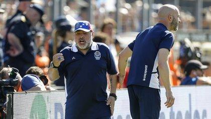 Maradona permaneció poco más de dos meses en el cargo de entrenador de Gimnasia (Nicolás Aboaf)