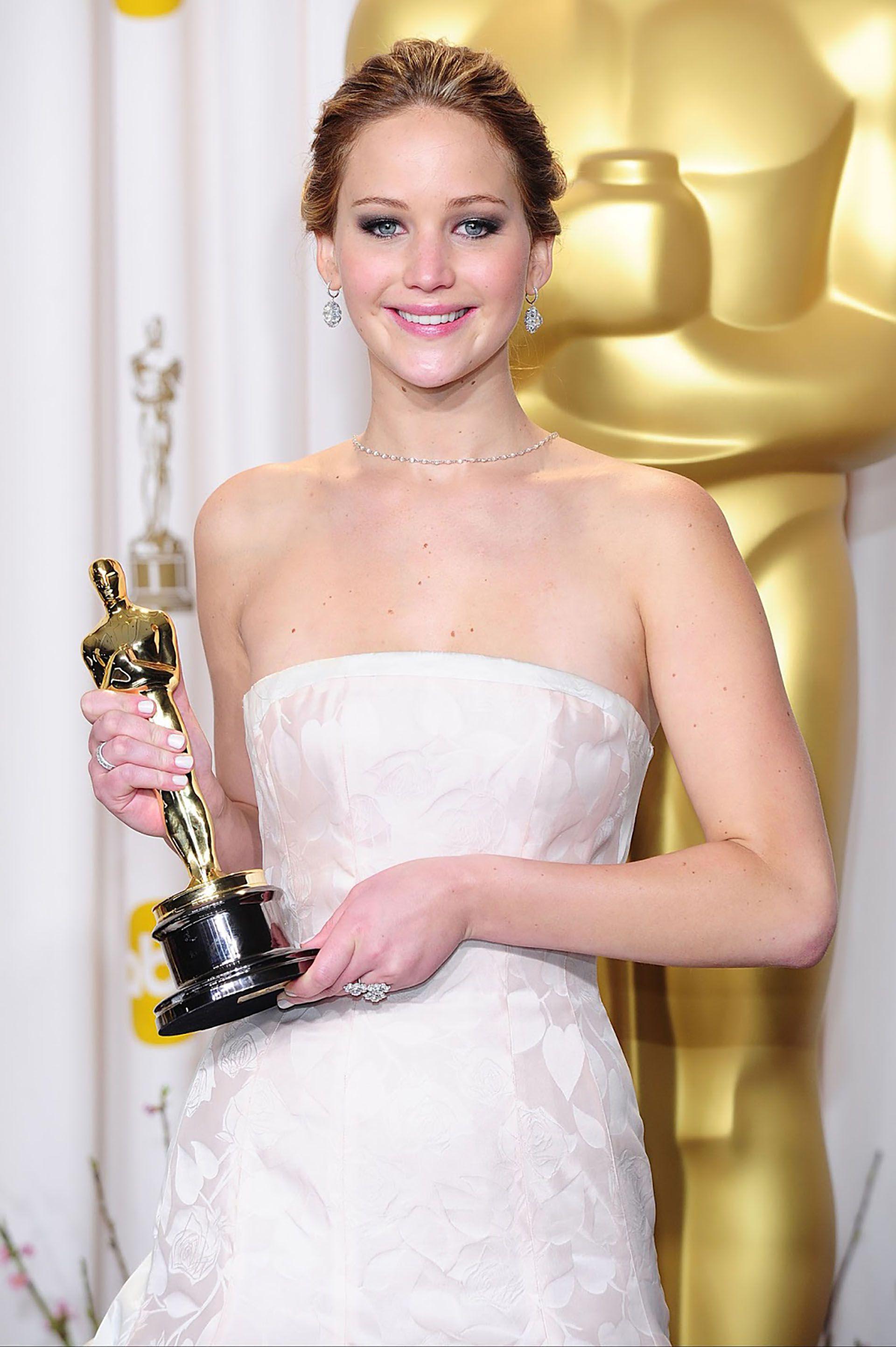 Jennifer Lawrence, con la estatuilla más deseada