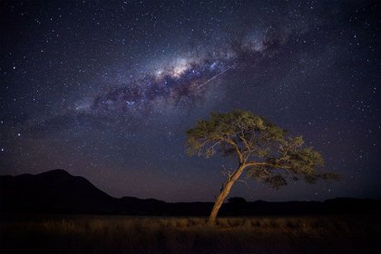 El universo es tan inmenso que los astrónomos aseguran que hay vida extraterrestre afuera, a pesar de tantos fracasos de hallarla