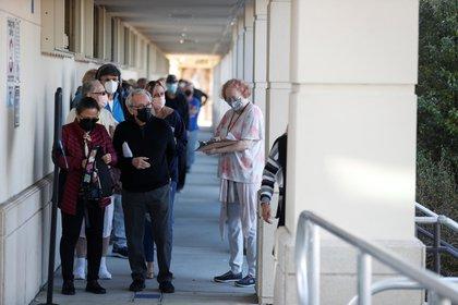 En esta segunda etapa, el estado de la Florida vacunará a personas mayores de 65 años (REUTERS/Octavio Jones)