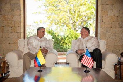 Iván Duque y Mike Pompeo en Cartagena, Colombia, el 2 de enero (REUTERS)
