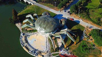 El nuevo Centro Ecológico de China fue construido para asemejarse a un cangrejo gigante