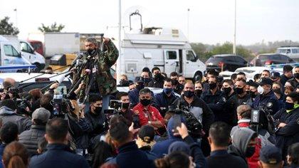 Reclamo de efectivos policiales  ayer en La Matanza (Foto: Maximiliano Luna)