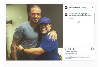 La única foto que se pudo sacar Beckham con Maradona