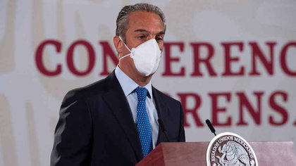 Carlos Slim Domit señaló cuáles serán los laboratorios que se encargarán de producir la vacuna en América Latina. (Foto: Presidencia)