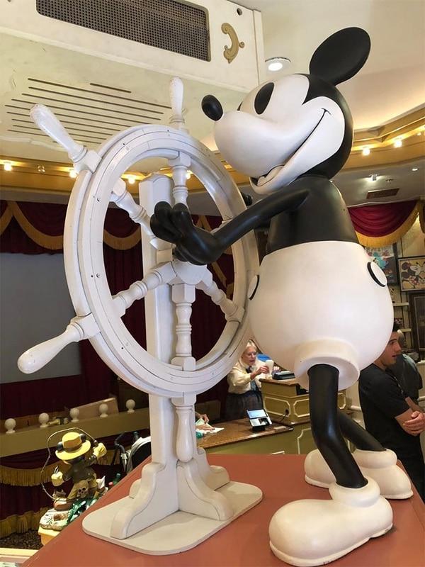 Mickey navegante. El primer atuendo del ratón en blanco y negro del año 1928, el primer dibujo animado