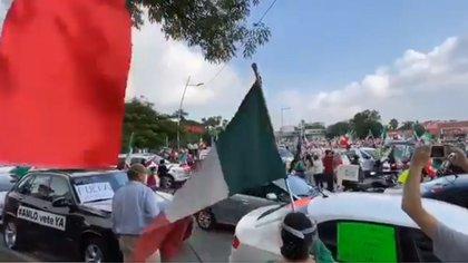 Manifestantes de Jalisco se reunieron desde sus automóviles para expresar sus inconformidades (Foto: Tomada de Twitter)