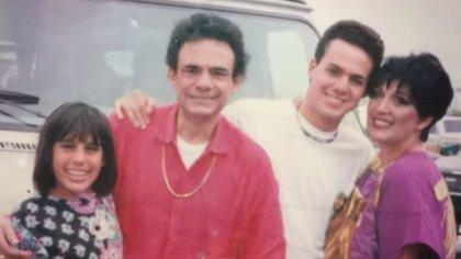 Anel y José José formaron una familia en los años 70 y 80. Tuvieron dos hijos, José Joel y Marysol Sosa (Foto: Jose Joel Sosa)
