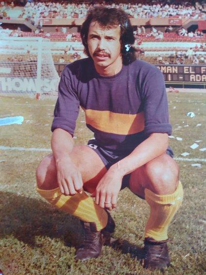Juan Ramón, con la casaca de Boca, el club de sus amores, en el que llegó a ser capitán