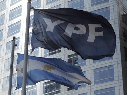 El ascenso de YPF es un 4,5% de media (EFE / Leo La Valle / Archivo)
