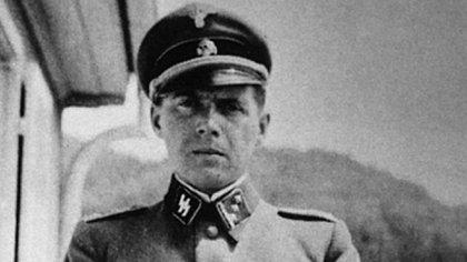 Josef Mengele se recibió de médico a los 25 años. En ese entonces ya se había acercado al nazismo al que, luego, se adhirió con fervor