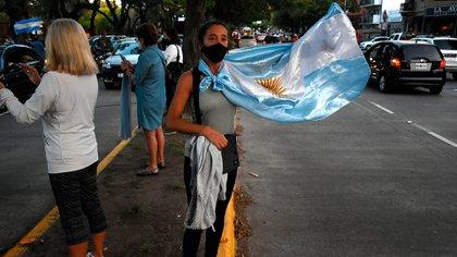 Los manifestantes protestaron en contra de la decisión del Gobierno de suspender las clases presenciales durante las próximas dos semanas
