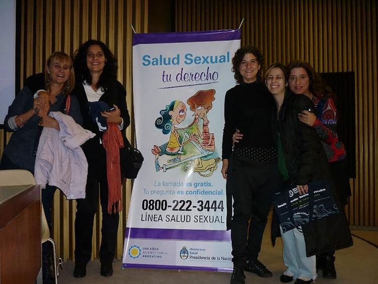 La Línea 0800-222-3444 fue creada en la gestión de Paula Ferro en el Programa de Salud Sexual y Procreación Responsable y coordinada por Dolores Fenoy.