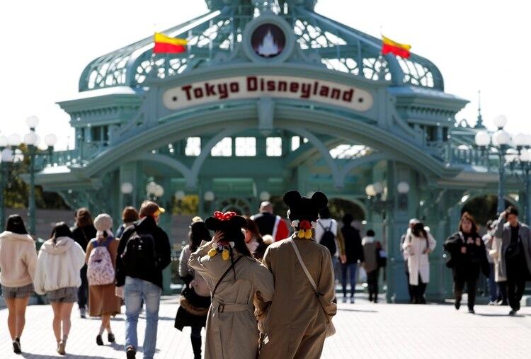 Millones de visitantes llegan al parque de Disney en Tokio año a año (REUTERS/Issei Kato)