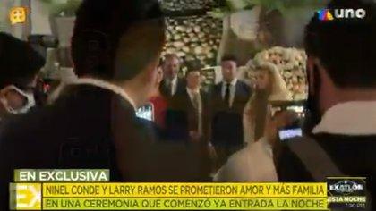 Con un conmovedor discurso, los novios se unieron ante un líder de la fe cristiana (Foto: Captura de pantalla)