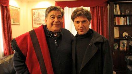 Mario Ishii junto al gobernador Axel Kicillof, en su despacho de José C. Paz