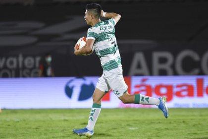 Almada aceptó que la altura de la ciudad mexiquense será una desventaja para sus jugadores (Foto: Cortesía/ club Santos/ Alvaro Avila/ JAM MEDIA)