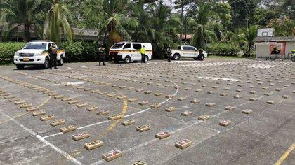 Cae cargamento de 800 kilos de cocaína, en Carepa, Antioquia. Foto: Ejército Nacional de Colombia.