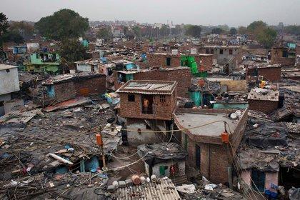 El trabajo en negro, sin cobertura social, ni aportes para la vida pasiva, genera casi la mitad de los pobres (AP)