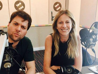 Guido Kaczka y Claudia Fontán son compañeros de radio