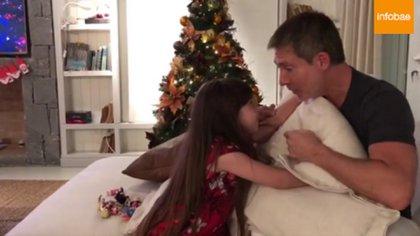 Adrián Suar pasó Noche Buena con Margarita, su hija de cinco años