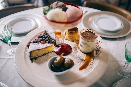 La torta caprese es sin dudas unos de sus postres más populares. Se trata de un pastel italiano tradicional de chocolate y almendra o nogal que lleva el nombre de la isla de Capri, de donde proviene (Ignacio Carrere)