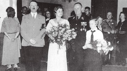 Baur estuvo en la boda de Hitler y Eva Braun