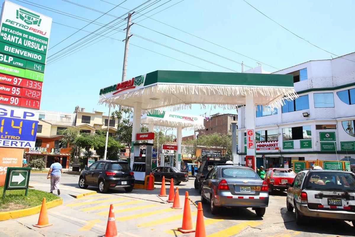 Gasolinera en Lima. (foto: Perú 21)