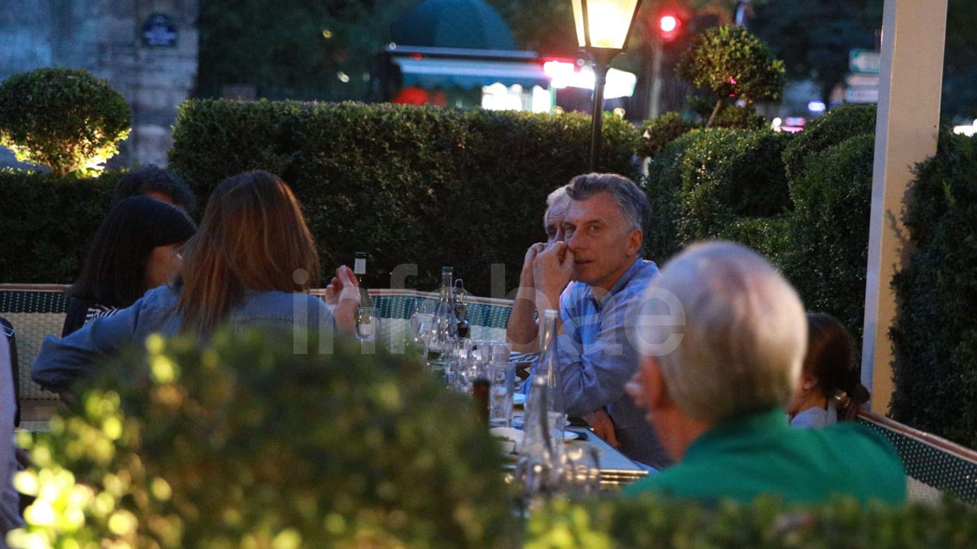 macri cenando en paris