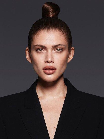 La jovenha roto continuamente los límites en el mundo de la moda desde que comenzó su carrera en la industria cuando era adolescente