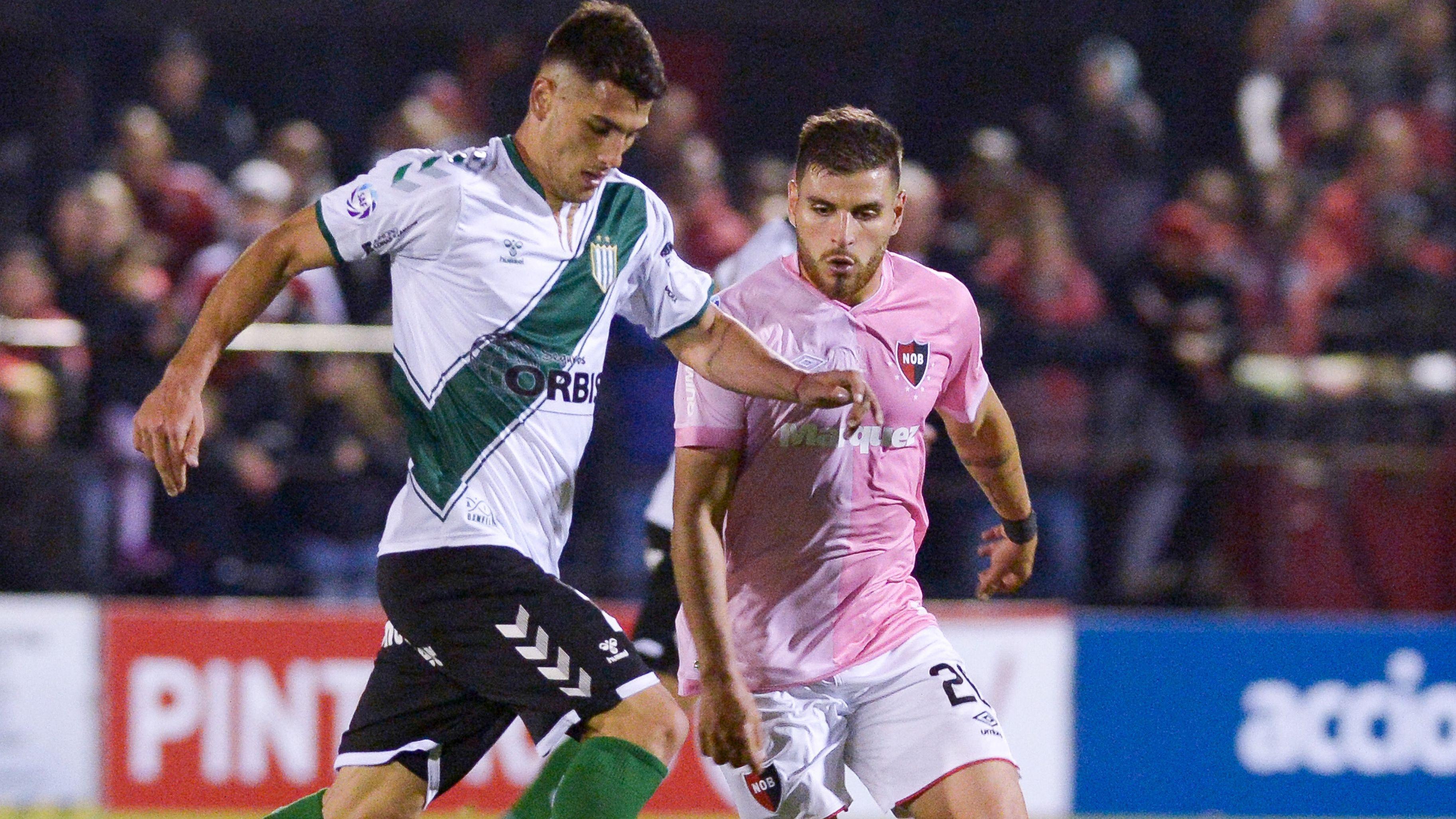 Newell's y Banfield se enfrentan en Rosario (Telam)