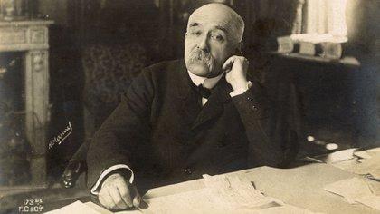 El primer ministro franceés, Georges Benjamin Clemenceau, hizo de la captura de la banda Bonnot una de sus obsesiones