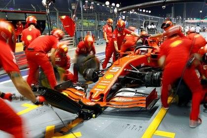 Ferrari no encuenta el rumbo en la Fórmula 1 (REUTERS/Feline Lim)