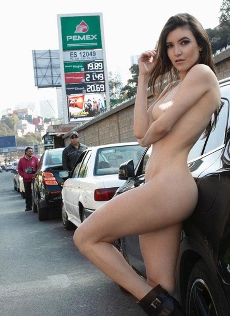Ara Rojas es una estudiante de sexualidad humana que esta semana compartió dos fotografías en las que se muestra completamente desnuda (Foto: Instagram)