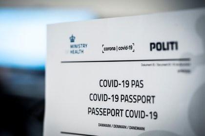 Imagen del pasaporte vacunatorio establecido por Dinamarca en 2020.  Ida Marie Odgaard/Ritzau Scanpix via REUTERS