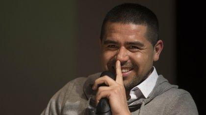 Riquelme mantuvo diálogo en el último semestre con una figura chilena (Foto NA: Mariano Sánchez)