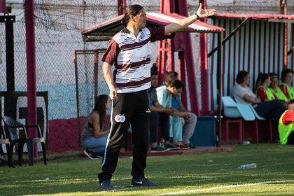 Germán Portanova es el entrenador de la UAI Urquiza (Prensa UAI Urquiza)