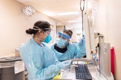 Trabajadoras sanitarias en un hospital de Texas (Reuters)